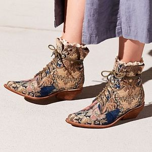 Free People x Jeffrey Campbell Elmcroft Boot 6 NEW